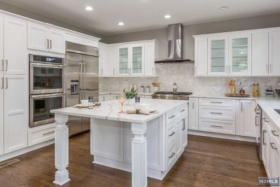 Cresskill NJ Single Family Home For Sale: $1,200,000