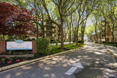 Edgewater Condo/Townhouse For Sale: 200 Grand Cove Way #2j
