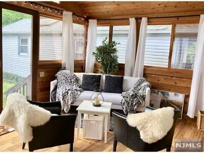 Oakland NJ Single Family Home For Sale: $229,000