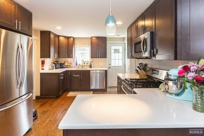 Dumont NJ Single Family Home For Sale: $409,000