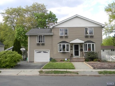 New Milford NJ Single Family Home For Sale: $489,000