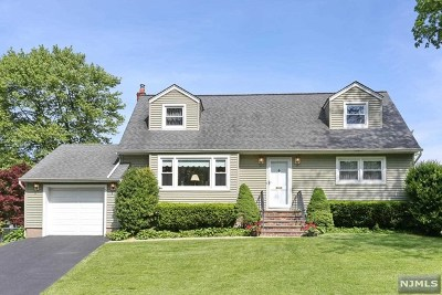 Emerson NJ Single Family Home For Sale: $469,000