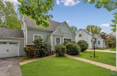 Teaneck Single Family Home For Sale: 1419 Hubert Terrace