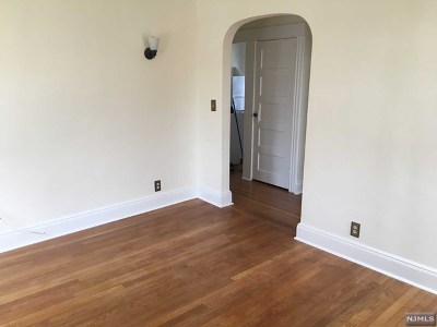 Paramus Rental For Rent: 171 North Farview Avenue #2nd Floo