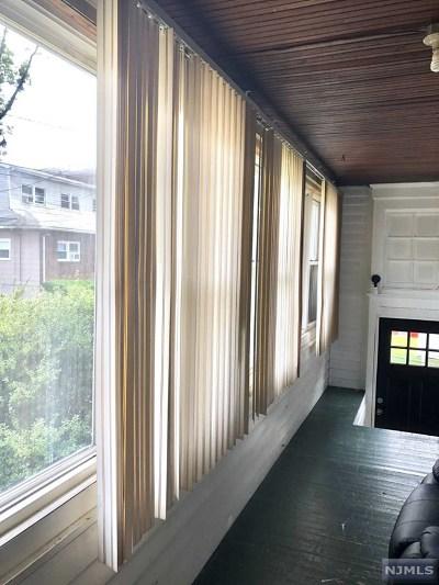 Cliffside Park Single Family Home For Sale: 743 Jefferson Avenue