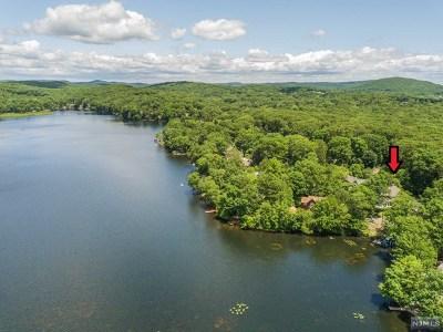 Denville Township Single Family Home For Sale: 70 East Cedar Lake