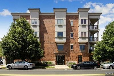 Cliffside Park Condo/Townhouse For Sale: 93 Palisade Avenue