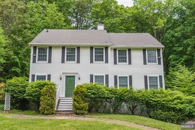 West Milford Single Family Home For Sale: 870 Westbrook Road