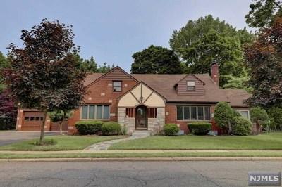Fair Lawn Single Family Home For Sale: 8-21 Bellair Avenue