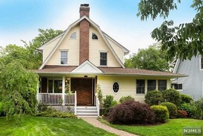 Ridgewood Single Family Home For Sale: 233 North Walnut Street