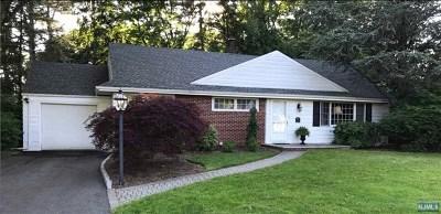 Ho-Ho-Kus Single Family Home For Sale: 5 Prescott Road
