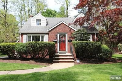 Closter Single Family Home For Sale: 19 Farrington Avenue