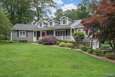 Oradell Single Family Home For Sale: 795 Carol Place