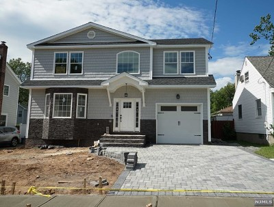 Bergenfield Single Family Home For Sale: 69 North Glenwood Drive