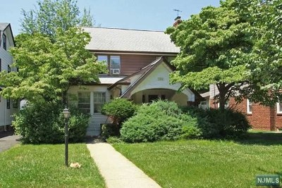 Teaneck Single Family Home For Sale: 1304 Hastings Street