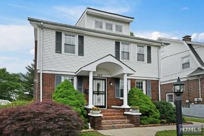 Maywood Single Family Home For Sale: 467 Davison Street