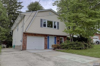 Bergenfield Single Family Home For Sale: 17 Armour Place
