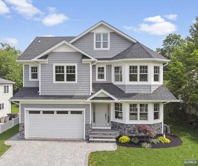 Teaneck Single Family Home For Sale: 333 Vandelinda Avenue