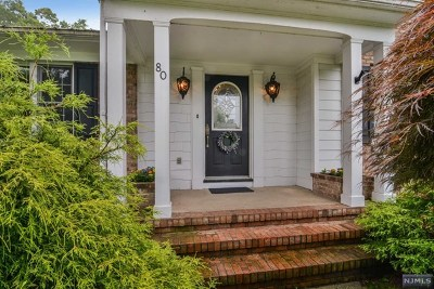 Hawthorne Single Family Home For Sale: 80 Surrey Place