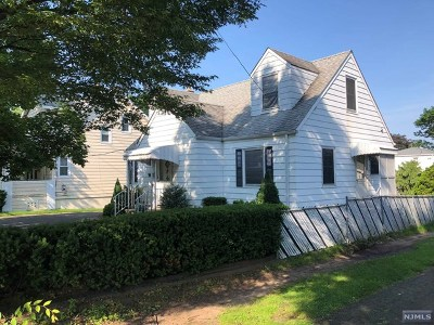 Paramus Single Family Home For Sale: 123 South Farview Avenue