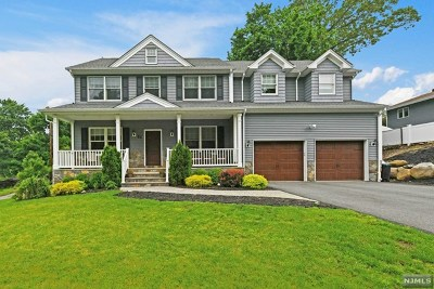 Mahwah Single Family Home For Sale: 21 Highland Road