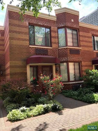 Fort Lee Condo/Townhouse For Sale: 100 Old Palisade Road #Pl 11
