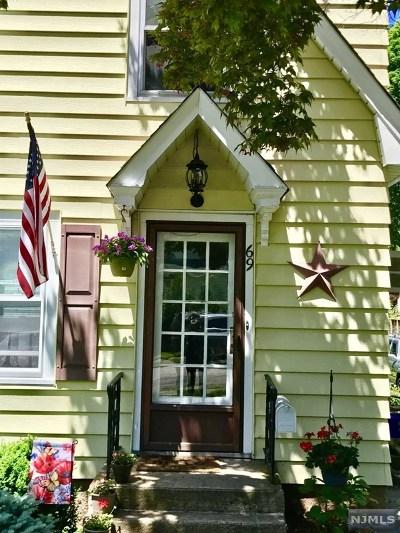Midland Park Single Family Home For Sale: 69 Aqueduct Avenue