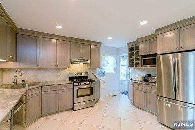 Cresskill Single Family Home For Sale: 301 Highland Street