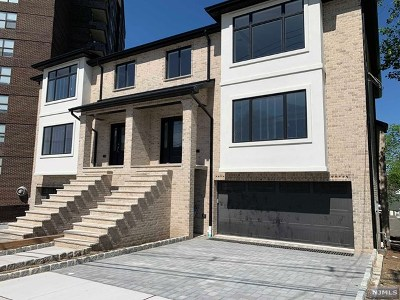 Fort Lee Condo/Townhouse For Sale: 2021 Fletcher Avenue #A