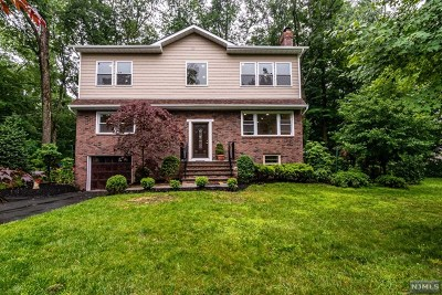 Morris Plains Boroug Single Family Home For Sale: 126 Grannis Avenue