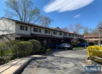 Englewood Condo/Townhouse For Sale: 154 Knickerbocker Road
