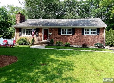 West Milford Single Family Home For Sale: 38 Northwood Drive