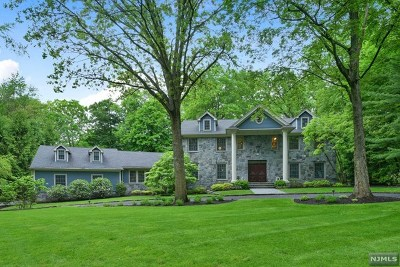 Franklin Lakes Single Family Home For Sale: 939 Huron Road