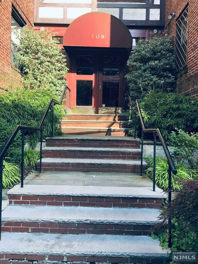 Englewood Condo/Townhouse For Sale: 109 Grand Avenue #1 H