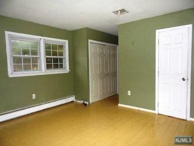 Oakland Single Family Home For Sale: 7 1st Street