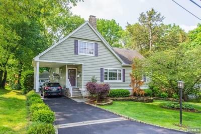 Wayne Single Family Home For Sale: 15 Summit Drive