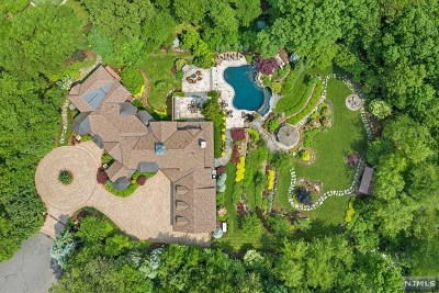Franklin Lakes Single Family Home For Sale: 733 Calusa Trail