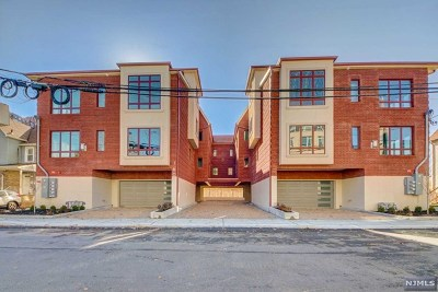 Fort Lee Condo/Townhouse For Sale: 160 Cedar Street #C