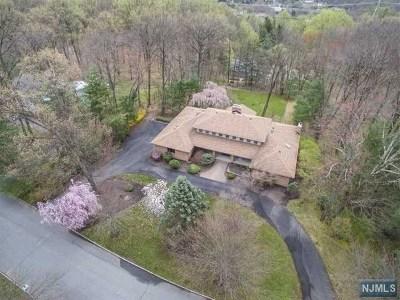 Montville Township Single Family Home For Sale: 6 Oakwood Court