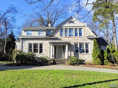 Tenafly Single Family Home For Sale: 136 Highwood Avenue
