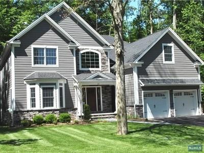 Mahwah Single Family Home For Sale: 23 Hopper Court