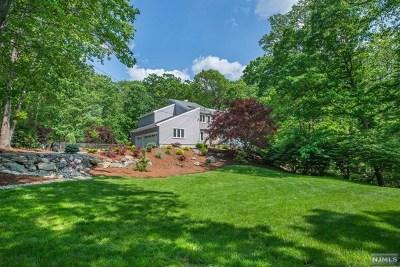 Morris County Single Family Home For Sale: 4 Tulip Tree Terrace