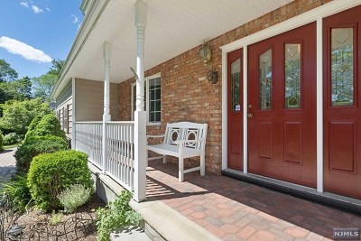 Montvale Single Family Home For Sale: 1 Bramble Way