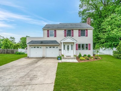 Elmwood Park Single Family Home For Sale: 4 Russell Court
