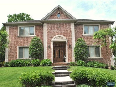 Cresskill Single Family Home For Sale: 146 Palisade Avenue