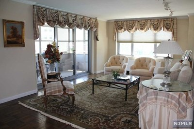 Fort Lee Condo/Townhouse For Sale: 2100 Linwood Avenue #5w
