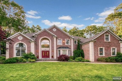Franklin Lakes Single Family Home For Sale: 468 Devonshire Drive