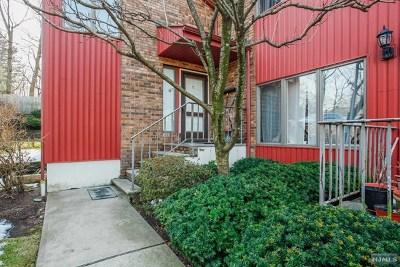 Leonia Condo/Townhouse For Sale: 425 Grand Avenue #10