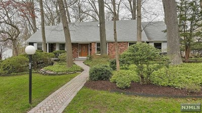 Wayne Single Family Home For Sale: 34 Mandeville Drive