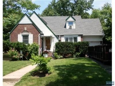 Fair Lawn Single Family Home For Sale: 2-01 37th Street